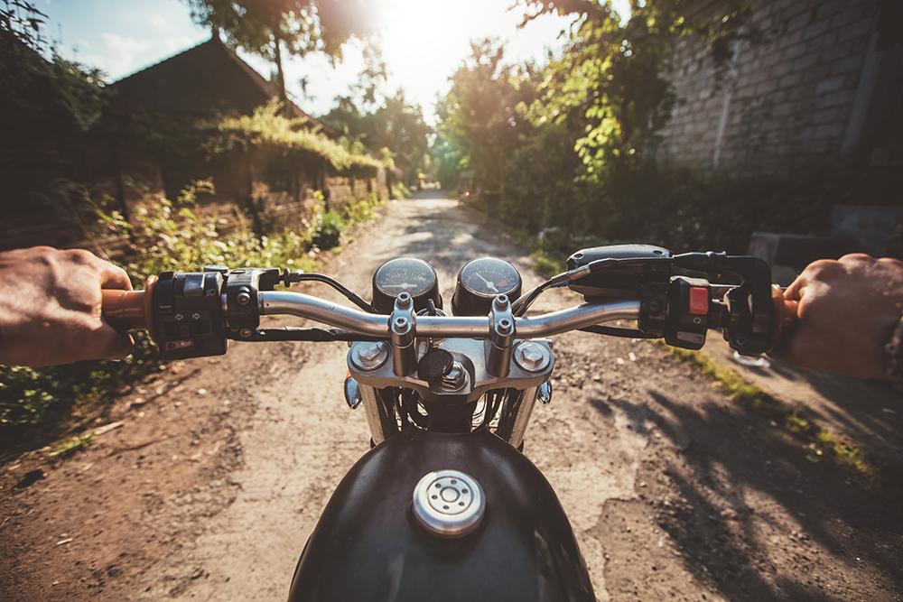 Experiencia usuario en el cine conduciendo moto